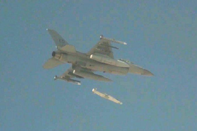2018/07/Испытания-ракеты-JSM-ВВС-Норвегии_1530713255.jpg